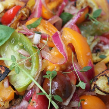 Tomato & Marinated Red Onion Salad